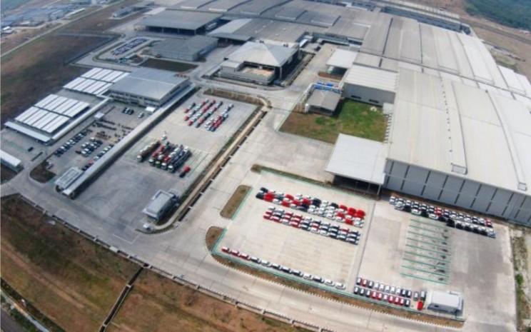 Pabrik PT Astra Daihatsu Motor yang berlokasi di Kawasan Industri Surya Cipta, Jl. Surya Pratama No.Kav. 50, Kutanegara, Ciampel, Kabupaten Karawang.  - ADM\\r\\n