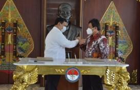Menhan Prabowo & Dirut BPJS Kesehatan Teken Perpanjangan Program JKN