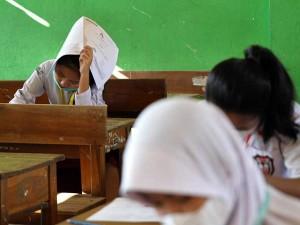 Seluruh Sekolah Dasar di Kendari Menggelar UAS Secara Tatap Muka