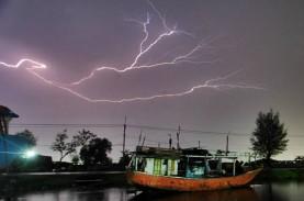 Cuaca Indonesia 23 April, Hujan Lebat Disertai Kilat…
