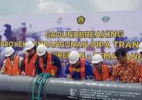 Peletakan batu pertama pembangunan jaringan pipa gas transmisi Cirebon-Semarang sepanjang 255 km di rest area KM 379 Tol Batang-Semarang, Jumat (7/2/2020). ANTARA/ I.C.Senjaya