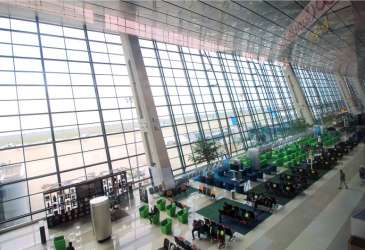 WNA Eksodus ke Indonesia, Setop Penerbangan dari dan ke India