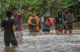 Banjir Pekanbaru: Saat Air Meninggi, Ini Tindakan Brimob Polda Riau