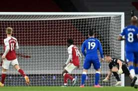 Hasil Liga Inggris, Blunder Kiper Arsenal Menangkan…