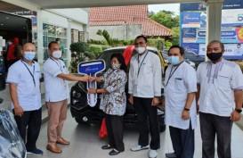 Menjelang Pensiun, Ngapinah Raih Undian Mitsubishi Xpander dari Bank Jateng