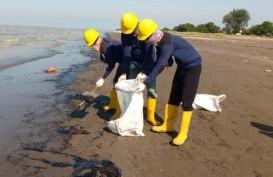PHE ONWJ Turunkan Kapal untuk Percepat Pembersihan Ceceran Minyak