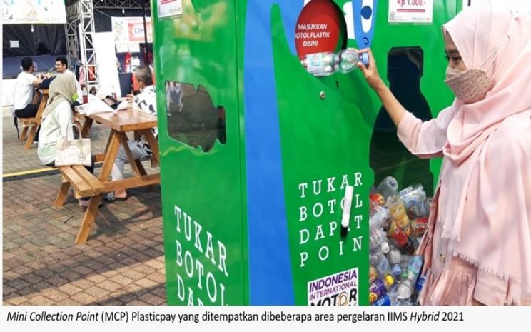 Tempat pembuangan sampah botol plastik