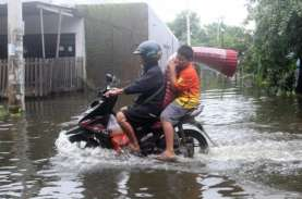 Air Sungai Pangkalan Meluap, Sumbar - Riau Terputus