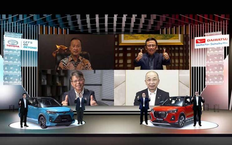 Seremoni Virtual Kolaborasi Toyota, Daihatsu, dan Astra yang mempekernalkan Toyota Raize dan Daihatsu Rocky.  - ADM