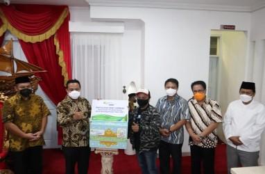 BP Jamsostek Sulama Salurkan 520 Paket Sembako ke Buruh