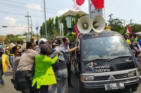 Peringatan Hari Buruh di Semarang Diwarnai Benturan