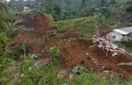 Longsor di Sukabumi: 3 Orang Tertimbun, Seorang di Antaranya Tewas