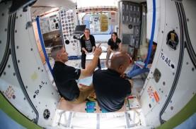 Tinggalkan Stasiun Luar Angkasa ISS, Astronot Kembali…