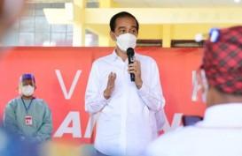 Tinjau Vaksinasi, Jokowi Ingatkan Warga Selalu Pakai Masker