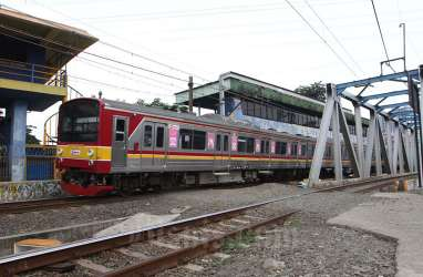 KRL Tak Berhenti di Stasiun Tanah Abang, Dishub DKI Siapkan Bus TransJakarta