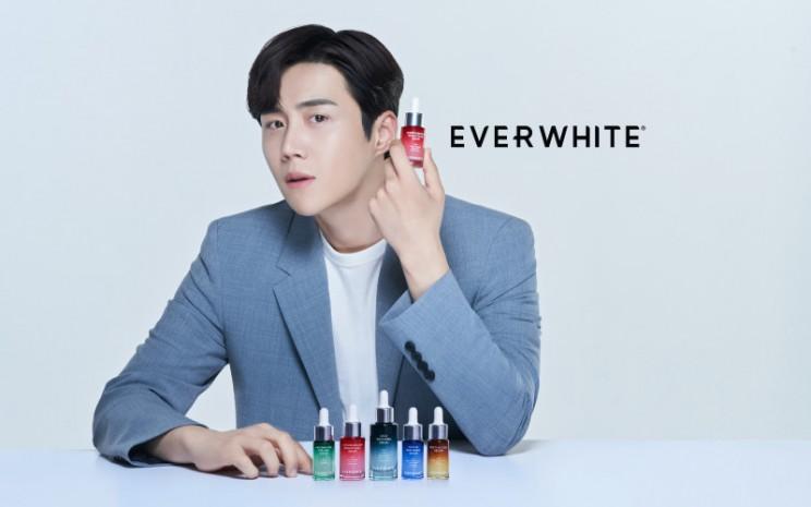 Everwhite akan mengundang Kim Seon Ho ke Indonesia pada 2021 / 2022 setelah pandemi mereda.  - Everwhite