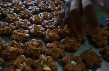 Bisnis Kue Kering: Pedagang Konvensional Masih Tunggu Pembeli