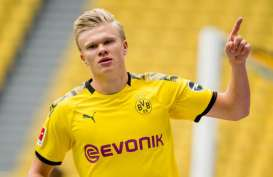 Striker Dortmund Erling Haaland Pemain Terbaik Bundesliga April