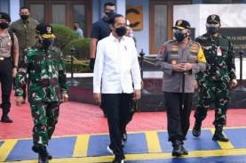 Tinjau TPI Brondong, Jokowi Ingin Lihat Kondisi Nelayan…