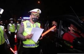 Mudik Dilarang, Tol Cikarang Padat Imbas Penyekatan Kendaraan