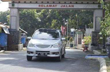 Pemudik Melintas Tanpa Hambatan di Jalur Alternatif Cirebon-Kuningan