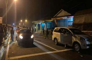 LARANGAN MUDIK: Penyekatan di Magetan, 60 Kendaraan Disuruh Putar Balik