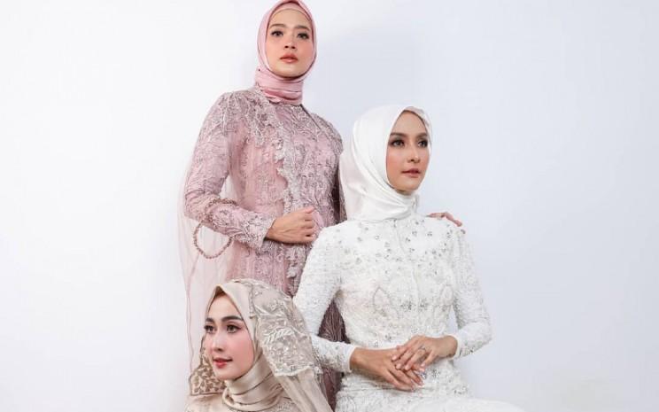 Langkah pertama adalah fokus pada apa yang ingin dipersembahkan pada pasar. Bila ingin membuat baju muslim maka fokuslah pada unit tersebut terlebih dulu.  - Leny Rafael