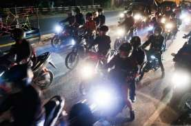 Nekat Mudik, Ratusan Kendaraan di Karawang Dipaksa…