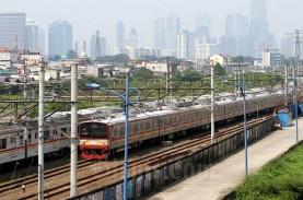 Hari Pertama Larangan Mudik, KAI Commuter Siagakan…