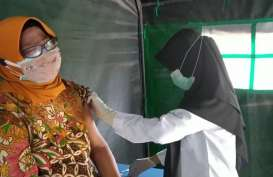 Pemkot Balikpapan Lanjutkan Vaksinasi Massal Pelayan Publik