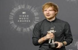 Kereen! Penyanyi Ed Sheeran Sponsori Klub Sepak Bola Inggris
