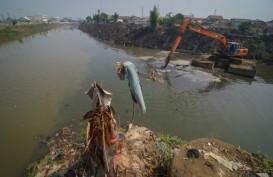 Bupati Bandung Genjot Pengerukan Sungai di 4 Kecamatan