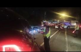 Kelakuan Warga +62: Niat Kelabui Petugas, Pemudik Nekat Numpang Ambulans