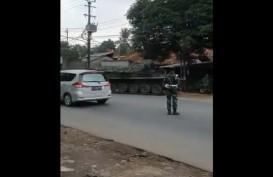 Video Tank TNI Cegat Pemudik di Perbatasan Bekasi-Bogor, Hoaks atau Fakta?