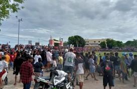 Tanpa Patuhi Prokes, Polisi Bubarkan Pertandingan Sepak Bola di Sorong