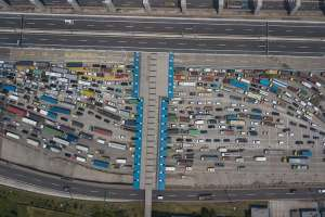 Ratusan Kendaraan Dipaksa Putar Balik di Gerbang Tol Cikarang Barat Saat Operasi Ketupat Jaya 2021