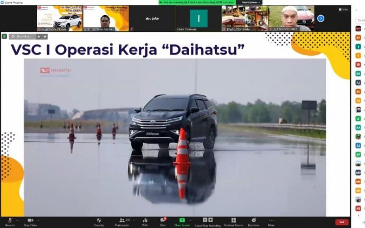 Pada training ini, pihaknya juga memperkenalkan teknologi pada fasilitas produksi Daihatsu yang comply hingga Euro 6, dan disesuaikan dengan regulasi kendaraan tiap negara.  - ADM
