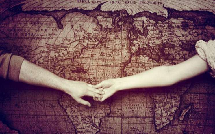 Long distance relationship - istimewa