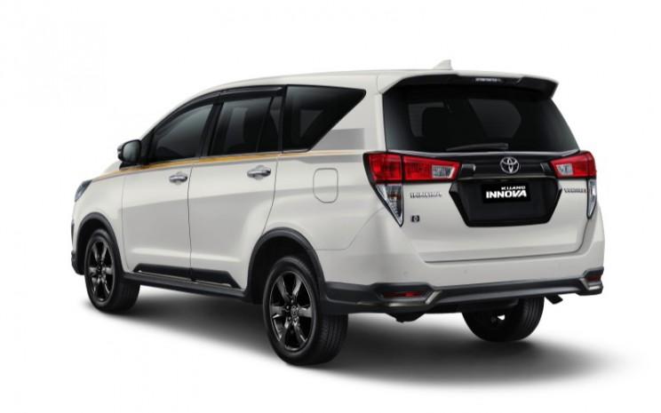 Tampilan Kijang Innova Limited Edition seri 50 tahun Toyota. - Istimewa