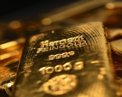Menimbang Investasi Emas yang Sedang Berkilau