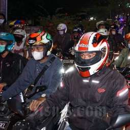 Petugas Gabungan Lakukan Penyekatan di Sejumlah Jalan Yang Menuju Jawa Tengah