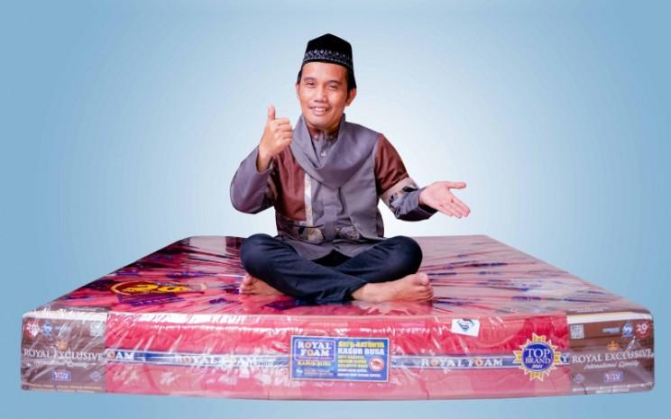 Ustadz Maulana. Produk halal juga ternyata berlaku juga pada tempat tidur.  - Royal Foam