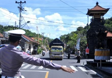 Arus Mudik dari Bali Terus Terjadi, 242 Kendaraan Dipaksa Putar Balik