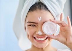 Lebih Efektif Skincare atau Treatment Kecantikan?
