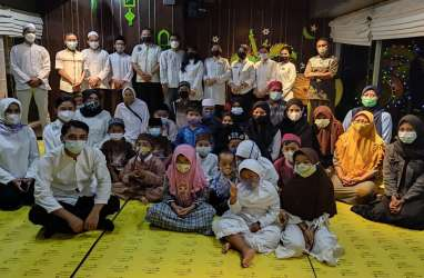 Louis Kienne Simpang Lima Ajak Anak Panti Asuhan Buka Puasa Bersama