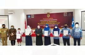 Bank Jateng Berikan Penghargaan Bagi Guru dan Siswa Berprestasi di Wonogiri