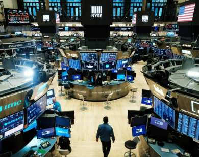 Dipicu Aksi Jual Saham Teknologi, Wall Street Dibuka Merah