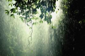 Cuaca Indonesia, Hujan Lebat Disertai Kilat dan Angin…