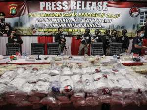 Polres Metro Jakarta Pusat Tangkap Sindikat Narkoba Jaringan Internasional Dengan Barang Bukti Sabu Seberat 310 Kilogram