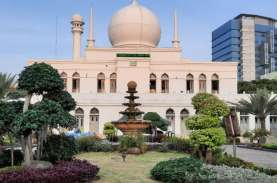 Masjid Agung Al Azhar Gelar Salat Idulfitri 1442 H